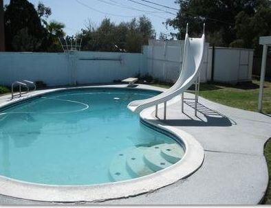 chlorine demand, pool chlorine, swimming pool care, basic pool care, green pool water, algae pool