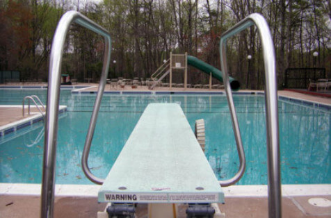 Swimming Pool Diving Boards and Replacement Diving Board Information.