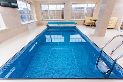 Lap pools and swimming pool ideas.  Information on pool costs, lap pool dimensions, and mistakes to avoid.