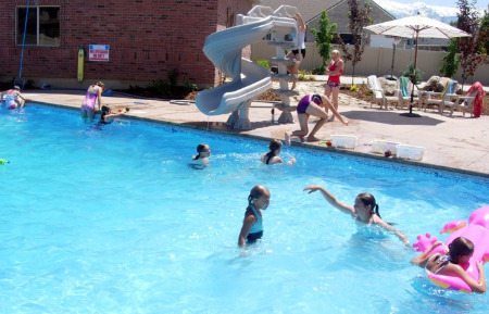 Swimming Pool Games To Play Free Party Games For Children Teens Adults